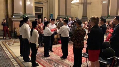Bendera Indonesia Berkibar di Balai Kota Philadephia