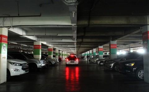 KPPU Usut Monopoli Pembayaran Parkir Mal