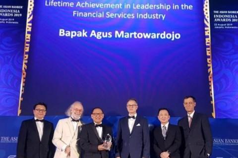 Agus Martowardojo Terima Lifetime Achievement Award dari The Asian Banker