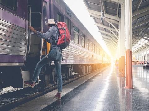 Kemenhub Bakal Sambung Jalur Kereta Api Bogor-Bandung