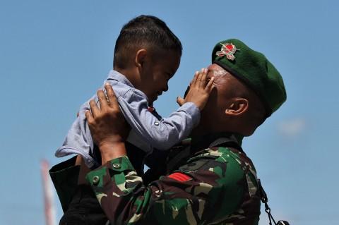 Momen Kepulangan Prajurit TNI AD Pamtas RI-PNG