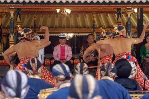 Raja Malaysia Bertemu Sri Sultan HB X di Keraton Yogyakarta