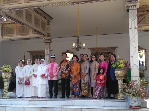 Keluarga Kerajaan Malaysia Belajar Budaya Jawa