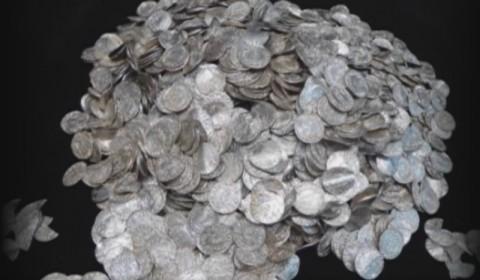 Koin Tua Senilai Rp86 Miliar Ditemukan di Pantai Inggris