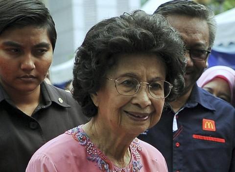 Sempat Keracunan Makanan, Istri Mahathir Pulih