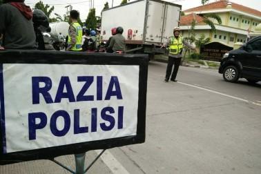 Polisi Tilang Ribuan Pengemudi di Hari Pertama Operasi Patuh Jaya