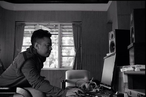 Shaggydog Rekaman Album Baru di Lereng Merapi