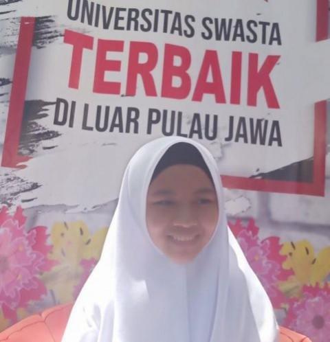 Hafizah 30 Juz Dapat Beasiswa di Kedokteran UMI Makassar