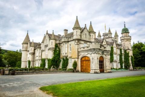 5 Fakta Istana Balmoral, Tempat Berlibur Ratu Inggris