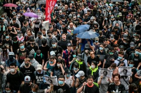 Meski Dilarang, Ribuan Demonstran Padati Jalanan Hong Kong