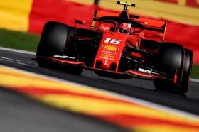 Duo Ferrari Kuasai FP3, Hamilton Kecelakaan