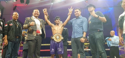 Andika D'Golden Boy Pertahankan Sabuk Juara WBA Asia