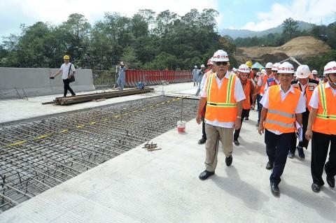 Menteri PUPR Tinjau Pembangunan Shortcut Mengwitani-Singaraja