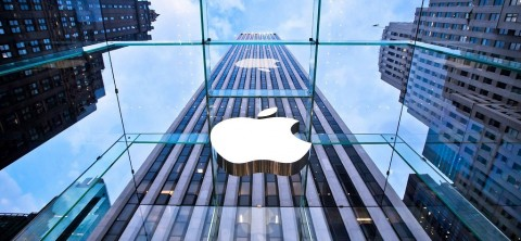 Perang Dagang Rugikan Apple Rp7 Triliun