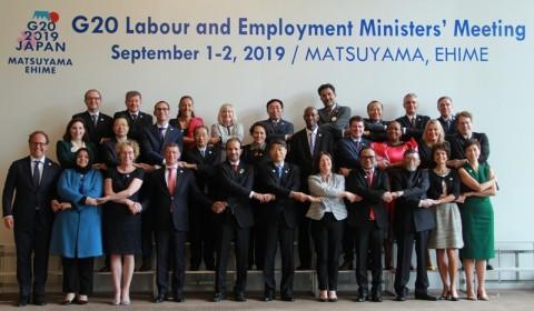 Menaker Pamerkan Kartu Pra Kerja di Forum G20