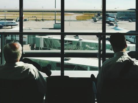 Lalu Lintas Udara Prancis dan Spanyol Kacau, Penerbangan Disetop