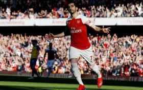 Arsenal Pinjamkan Mkhitaryan ke Roma