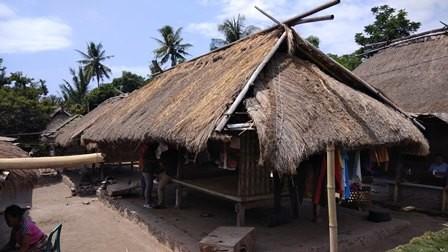 Menengok Bangunan Tahan Gempa di Desa Karang Bajo