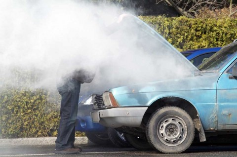 Trik Mengatasi Mesin Mobil Overheat