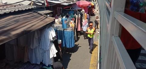 PKL Bayar Rp1 Juta per Bulan Berdagang di Trotoar