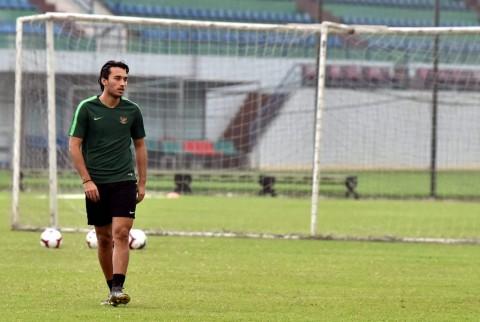 Resmi, PSM Makassar Boyong Ezra Walian