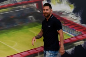 Barcelona Persilakan Messi Hengkang sebelum Habis Kontrak