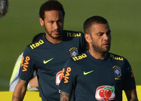 Respons Alves Soal Kembalinya Neymar di Timnas Brasil