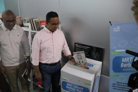 Anies Dorong Warga Jakarta Gemar Baca Buku