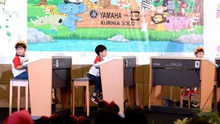 Jokowi Tonton Pentas Musik Jan Ethes di Solo