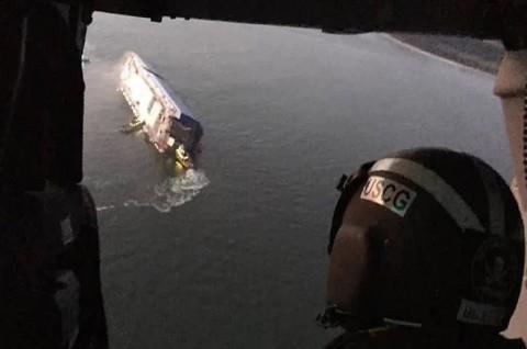 Kapal Kargo Pengangkut 4.000 Mobil Tenggelam di Georgia