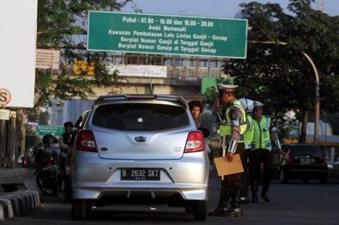 Polisi Berhak Tilang Pembawa Orang Sakit di Zona Ganjil-Genap?