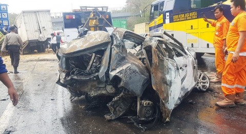 Kecelakaan Tol Cipularang Momentum Penertiban Truk Muatan Berlebih