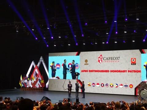 Jokowi Merasa Tak Pantas Dapat Penghargaan Insinyur