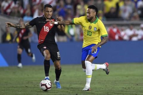 Neymar Main, Brasil Dibungkam Peru