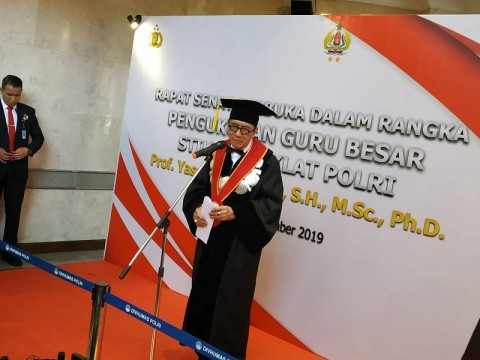 Yasonna Dianugerahi Gelar Guru Besar Kriminologi