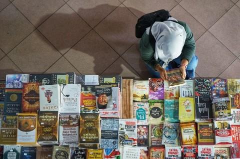 Buku Bajakan Merambah Dunia Maya