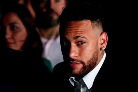 Model Brasil Didakwa Memeras Neymar