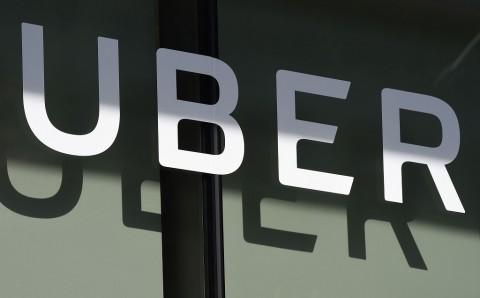 Uber Pecat 435 Karyawan