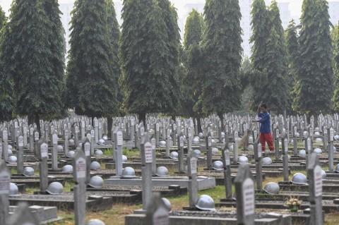 Jalan Menuju TMP Kalibata Ditutup Saat Pemakaman Habibie