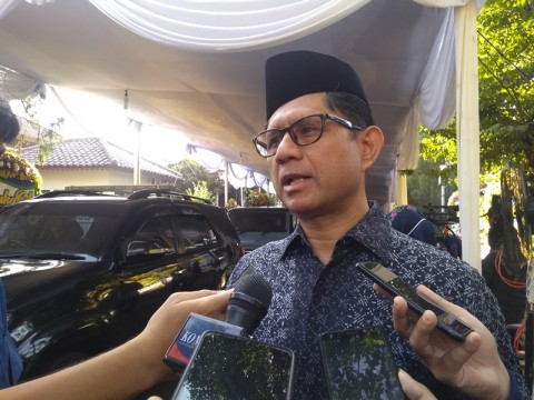 <i>Habibie Role Model Dunia</i>