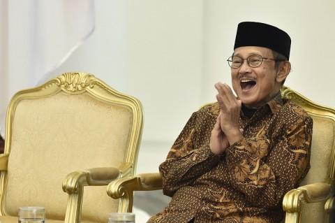 <i>Indonesia Masih Butuh Bimbingan Habibie</i>