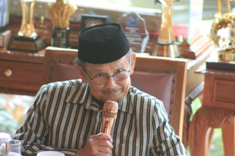 Gubernur Maluku: Habibie Ilmuwan Dunia