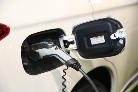 Jangan Khawatir Lupa Mencabut Pencatu Daya Mobil Listrik