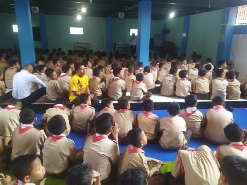 Ratusan Siswa SD di Bogor Salat Gaib untuk Habibie