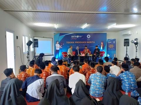 Metro TV Ajarkan Prinsip Produksi Berita di Ponpes Daarul Quran
