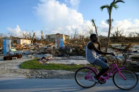 Badai Tropis Humberto Semakin Dekati Bahama