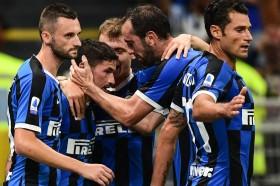 Inter Terlalu Kuat untuk 10 Pemain Udinese