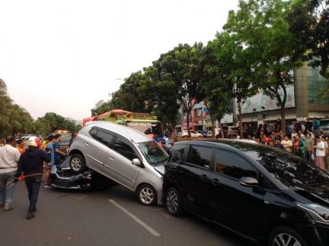 Hindari Tabrakan Beruntun, Jaga Jarak Kendaraan Selama Perjalanan