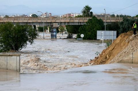 Enam Orang Tewas Akibat Banjir Bandang di Spanyol