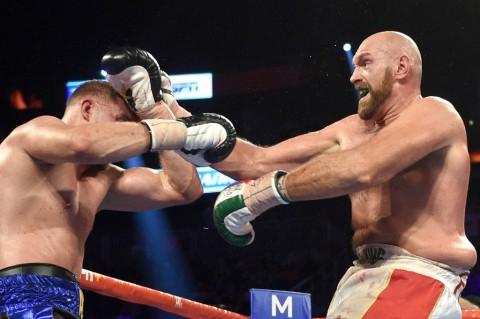 Tyson Fury Menangi Pertarungan Berdarah kontra Otto Wallin